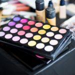kolorowe kosmetyki z drogerii Online