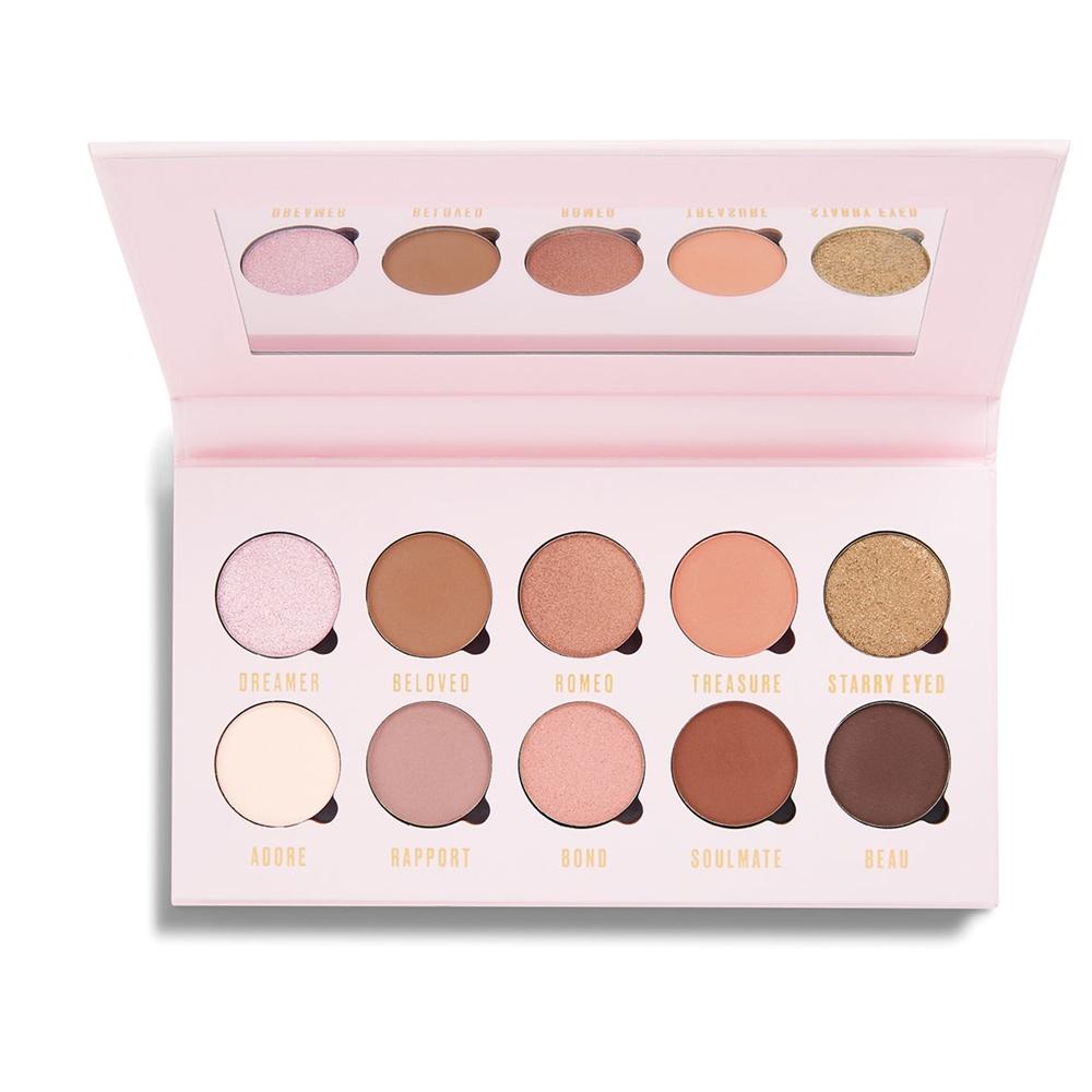 paleta cieni Makeup Obsession - jeden z produktów wartych uwagi